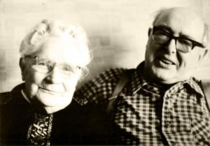 Fritz und Lina Waider helfen mit Lebensmitteln, einem Versteck und Kontakten. © Gerald von Gostomski