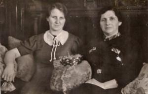 Freundinnen Margarete Stock (li.) und Emma Hess © Sammlung Renate Hebauf